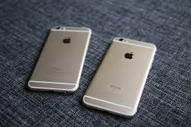 Divatos az  Apple telefon